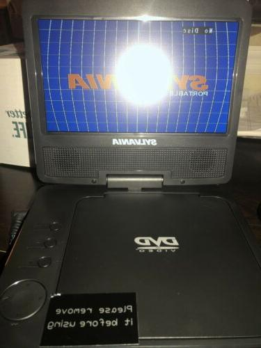NEW! SDVD7040B Portable DVD With Swivel Remote New!