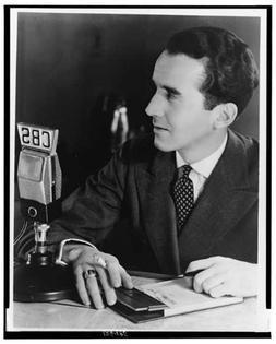 Photo: Edward R. Murrow-CBS Microphone-1939 photograph pictu