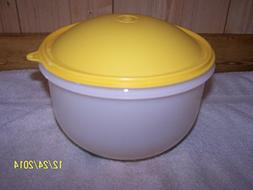 Tupperware Super Crisp-It 3pc Sheer W/Insert Yellow Dome Sea